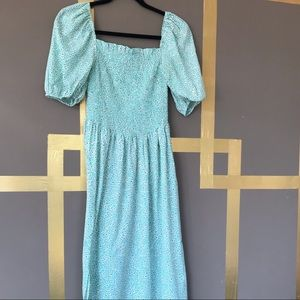 Smock dress with puff sleeves